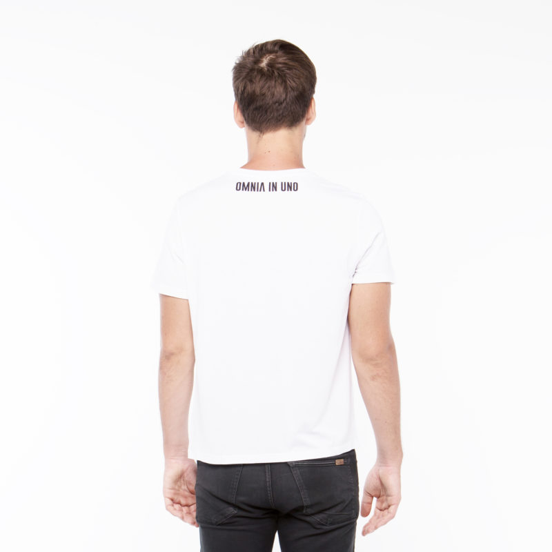 White T-shirt • Red logo OMNIA IN UNO