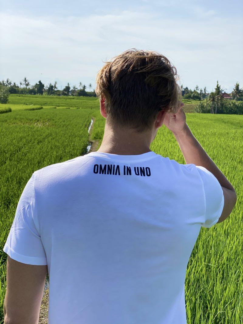 White T-shirt • OMNIA IN UNO