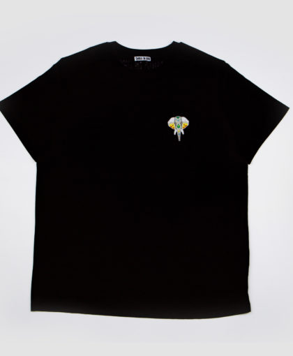 Black T-shirt • Silver logo OMNIA IN UNO