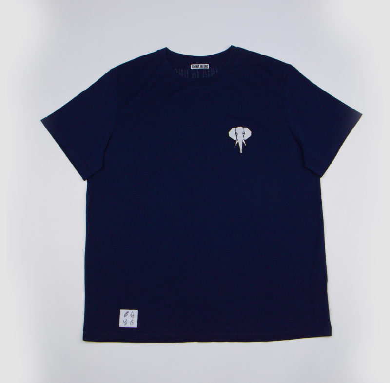 Navy T-shirt • White logo OMNIA IN UNO