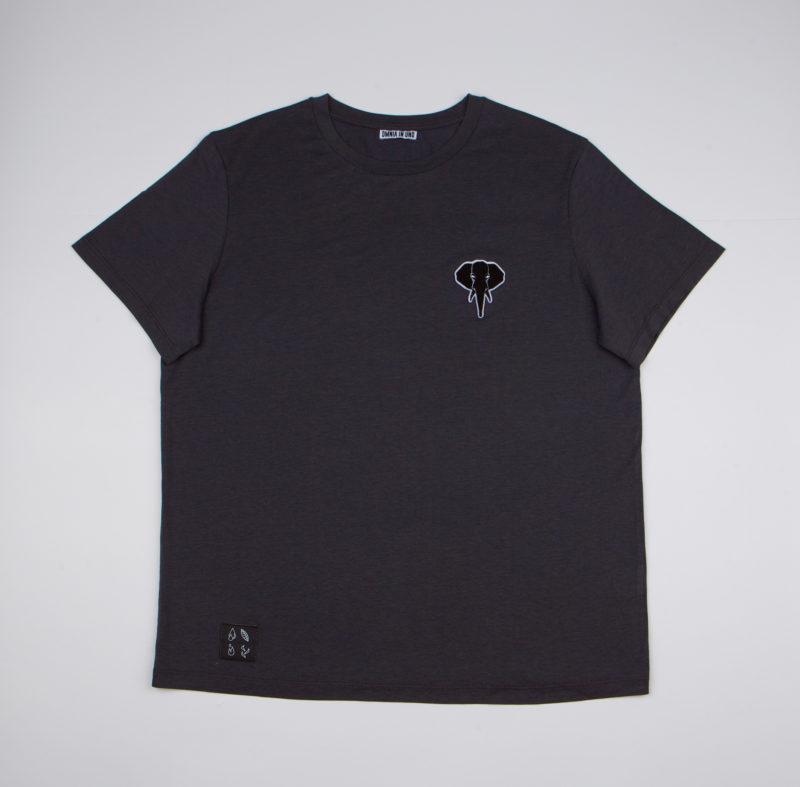 Dark grey T-shirt • Black logo OMNIA IN UNO