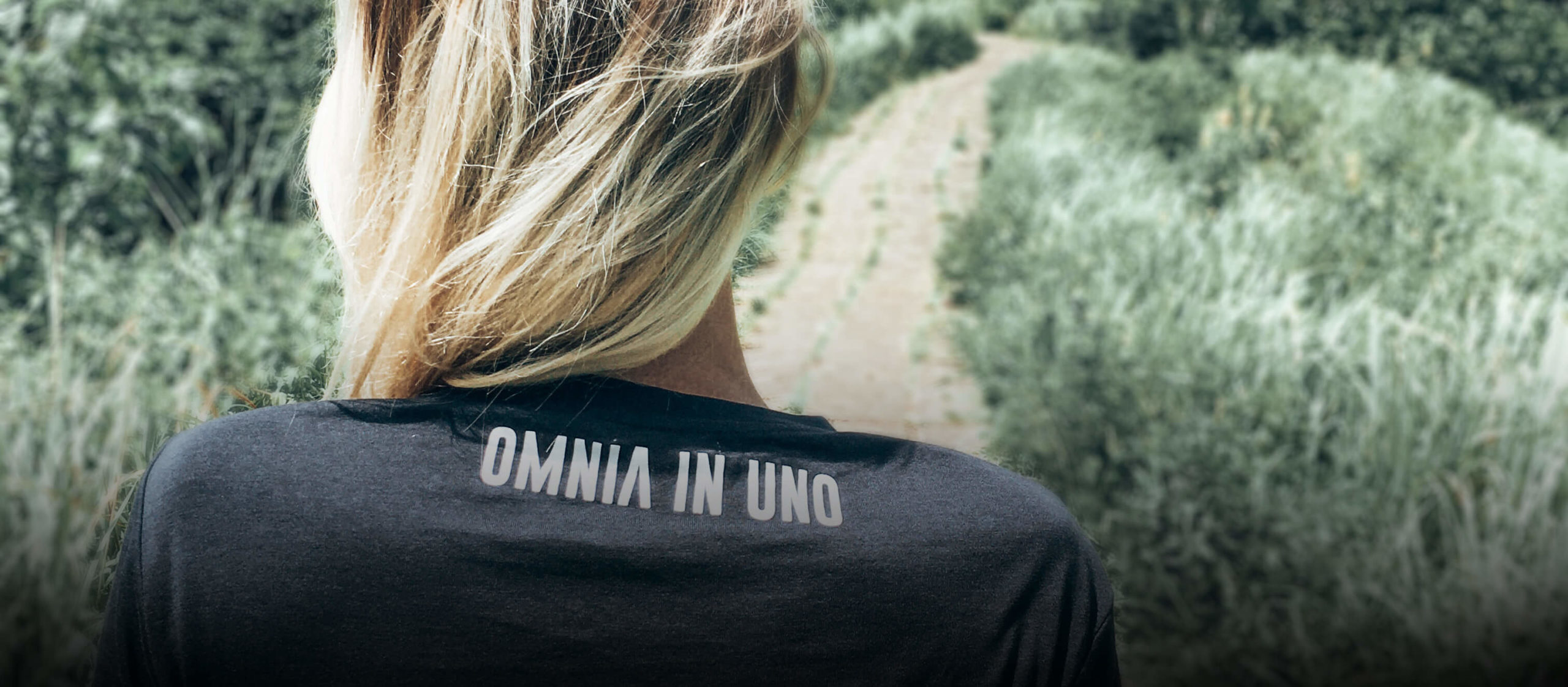 Dark grey T-shirt • OMNIA IN UNO