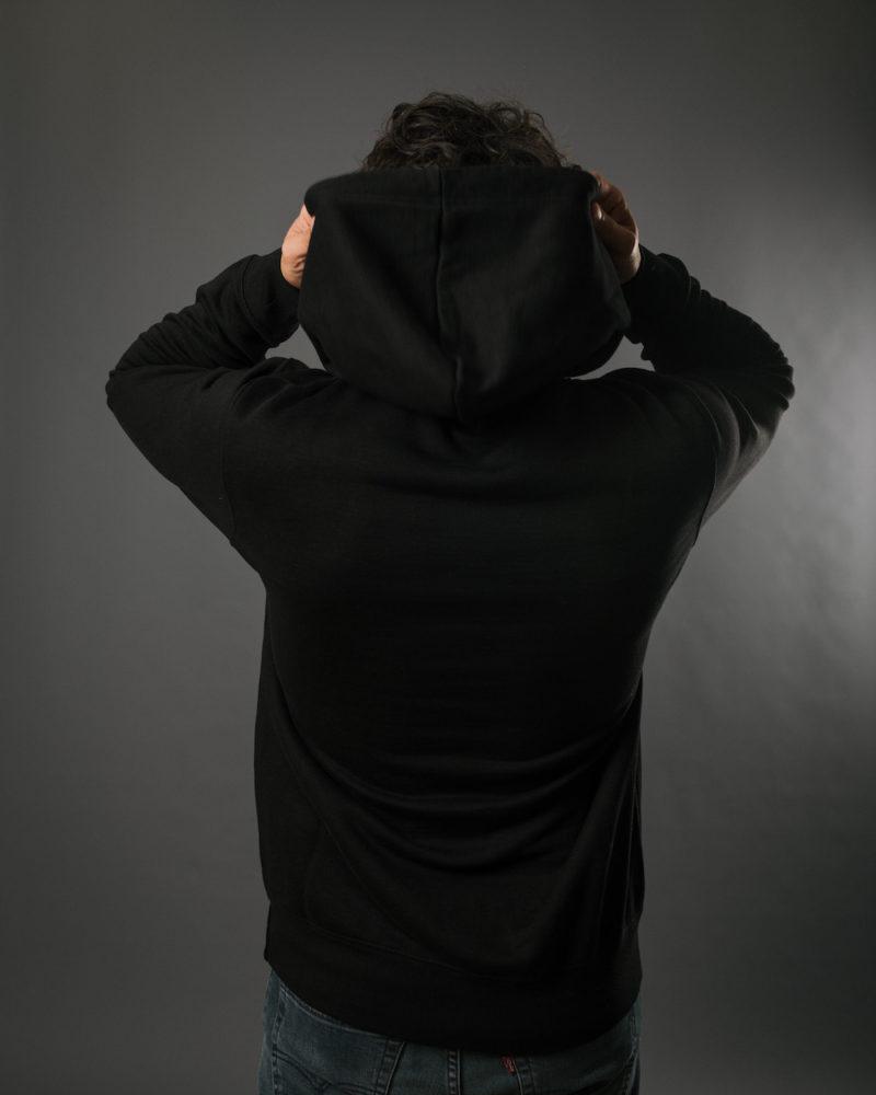 black hoodie BACK OMNIA IN UNO